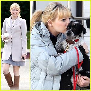 Emma Stone: Puppy Kisses!