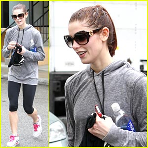Ashley Greene: Rainy Day Workout
