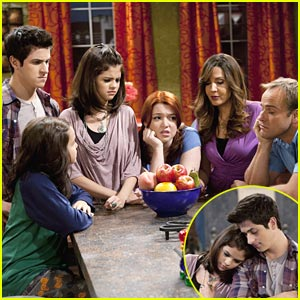 Selena Gomez & David Henrie: Wizards VS. Angels!