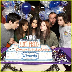 Wizards of Waverly Place Celebrates 100 Episodes!