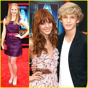 Bella Thorne & Caroline Sunshine Land on 'Mars'