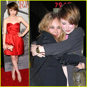 Emily Browning &#038; Juno Temple are Very Voyeur