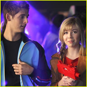 Jennette McCurdy: The Best Player Cast 'Got to Know Each Other Very Well'
