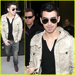 Joe Jonas: Carnival For A Cure Performer!