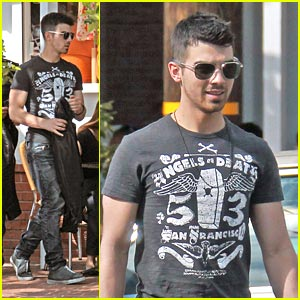 Joe Jonas: Fred Segal Shopper!