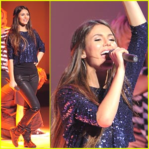 Victoria Justice to Perform 'Begging On Your Knees' at KCAs!