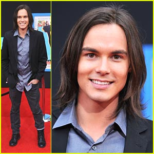 Tyler Blackburn is a 'Prom' Pilgrim