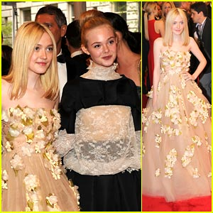 Dakota & Elle Fanning: MET Ball 2011
