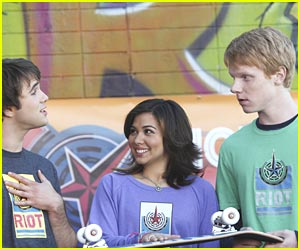Hayley Kiyoko Guest Stars on Zeke & Luther!