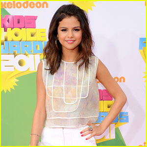 Selena Gomez to Host MuchMusic Video Awards!