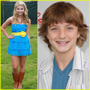 Jake Short &#038; Stefanie Scott: A.N.T. Farm Theme Song!