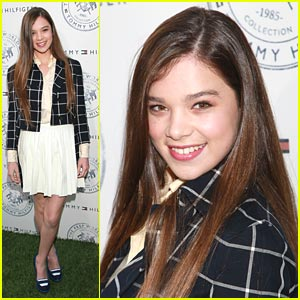 Hailee Steinfeld: Prep World Pop Up Pretty