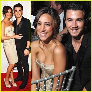 Kevin & Danielle Jonas: Webby Awards 2011