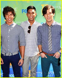 Allstar Weekend: 'Blame It On September' Lyric Video