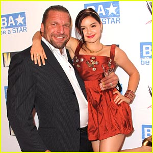 Ariel Winter Forms a 'Star' Alliance with Triple H