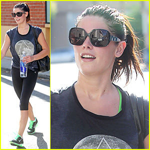 Ashley Greene: Green Gym Shoes Gal!