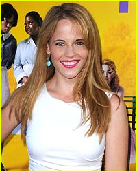 What's Really In Katie Leclerc's Purse?