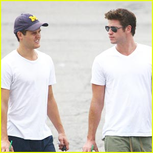Liam Hemsworth: Saturday Sub Shop Stop