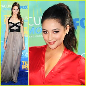Shay Mitchell & Troian Bellisario: Pretty Little 'Teen Choice' Liars
