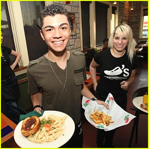 Adam Irigoyen: Chili's VIP Server!