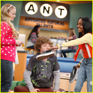 China Anne McClain To Jake Short: Take A Sniff