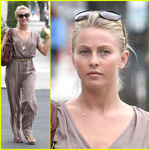 Julianne Hough: Hair Salon Stop!