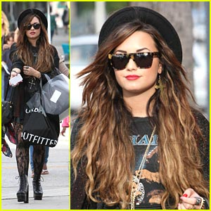 Demi Lovato: Urban Shopper