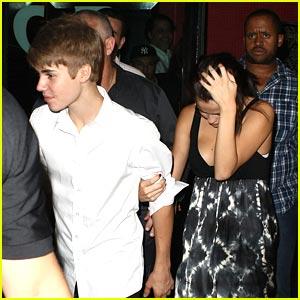 Justin Bieber & Selena Gomez: Dinner Date in Rio!