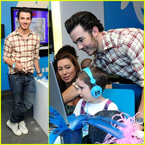 Kevin Jonas: AOL Media Room at Ronald McDonald House!