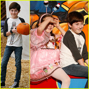 Mason Cook Visits Pumpkin Patch