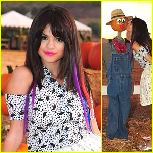 Selena Gomez 'Hits The Lights' for Halloween
