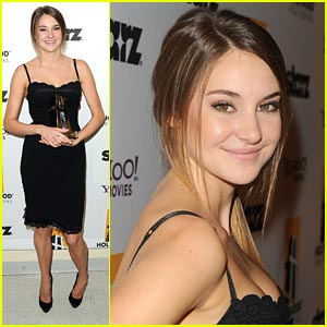 Shailene Woodley Wins Hollywood Spotlight Award!