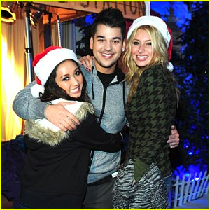 Brenda Song & Aly Michalka: Op Winter Wonderland!