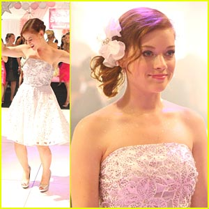 Jane Levy: Pretty in Pink Party!