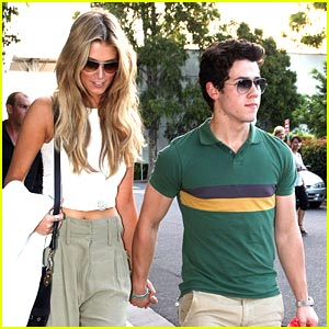 Nick Jonas &#038; Delta Goodrem: Sydney Sweeties
