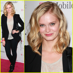 Sara Paxton: Google Music Launch Party Pretty