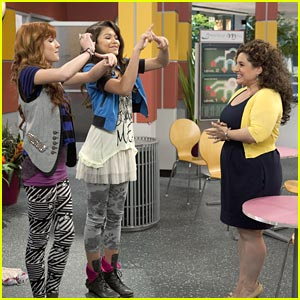 Bella Thorne &#038; Zendaya: Marisa Jaret Winokur Guest Stars on Shake It Up!