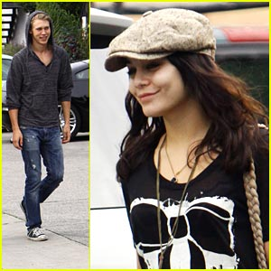 Vanessa Hudgens & Austin Butler: Lunch Lovers