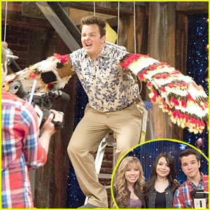 Noah Munck Takes Flight on 'iCarly'