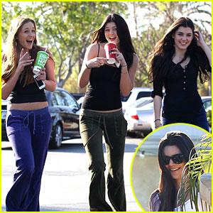 Kendall & Kylie Jenner: Pickup Stix Sisters
