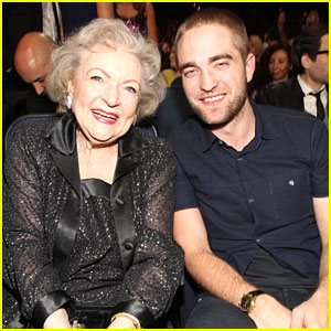 Robert Pattinson: People's Choice Awards with Betty White!