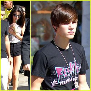 Justin Bieber & Selena Gomez: Menchie's Mates