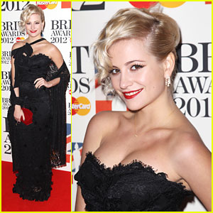 Pixie Lott: BRIT Awards 2012