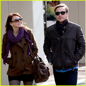 Aimee Teegarden & William Moseley: 'The Hunger Games' Moviegoers