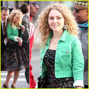 AnnaSophia Robb Gets Bumped Around in the Big Apple