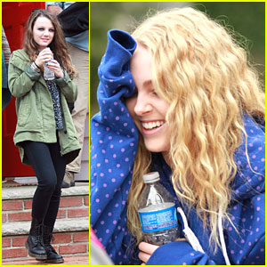 AnnaSophia Robb: First Day on 'Carrie Diaries' Set!