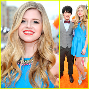 Ana Mulvoy Ten & Brad Kavanagh: 'Anubis' at Kids Choice Awards!