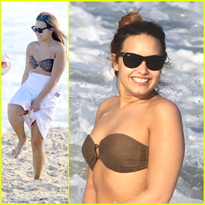 Demi Lovato: Brazil Beach Day!