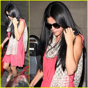 Selena Gomez: Salon Stop