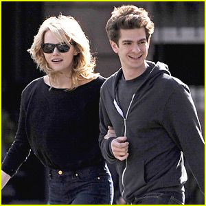Emma Stone &#038; Andrew Garfield: Sunday Stroll